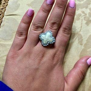 Jewelry - Cute stylish ring